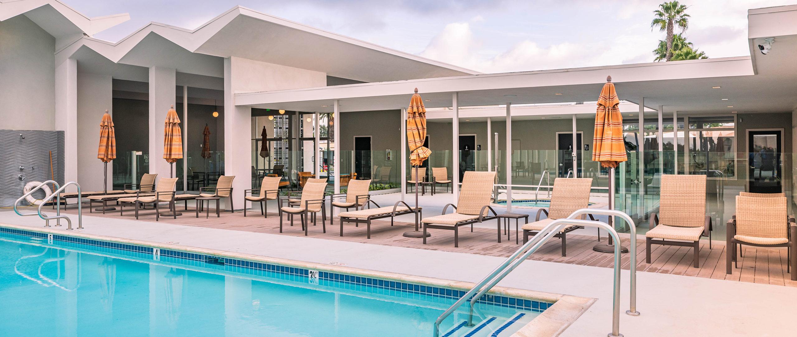 Pool, spa, and lounge area